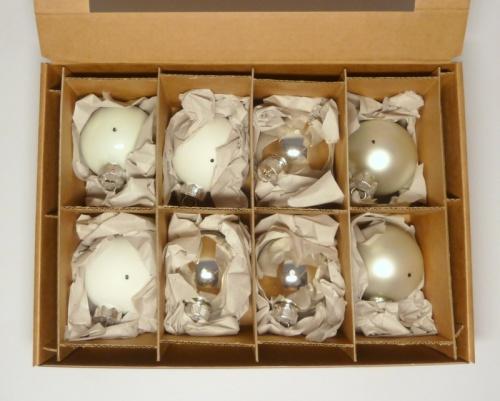 8 Kugeln (6cm) Silber/Weiß-Mix